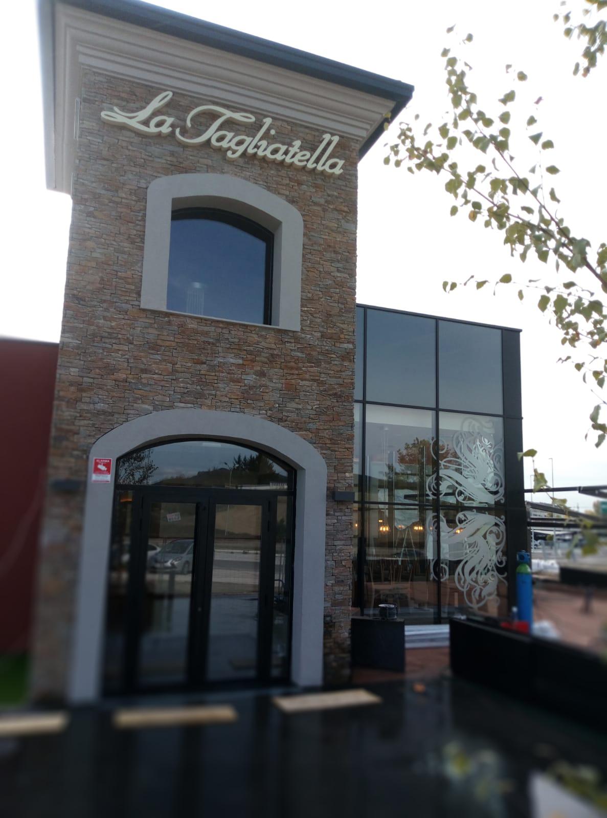 Rotulo exterior La Tagliatella